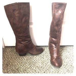 Knee high brown leather boots new without tags.
